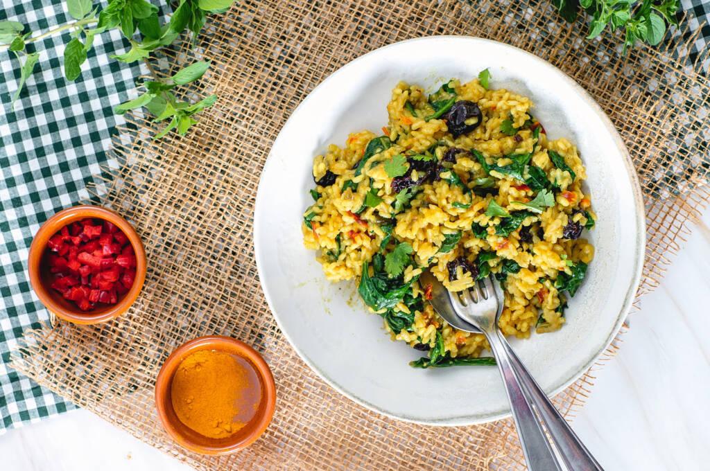 Risotto-Curry-Con-Espinacas-pasas